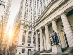 Federal Hall with Washington Statue on the front, wall street, Manhattan, New York City