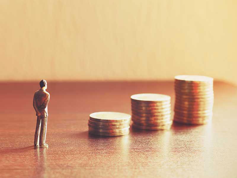 figure-money-coins